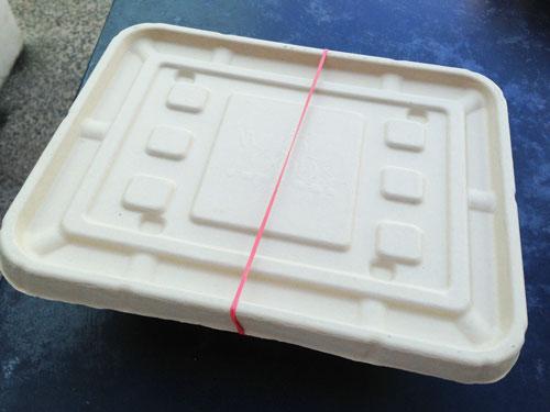 ホールフーズマーケットのデリ容器