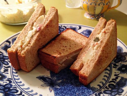 ポテトサラダのサンドウィッチ
