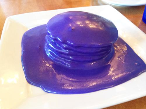 紫色のウベパンケーキ