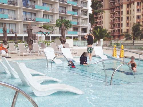 イリカイホテルのプール(2F)