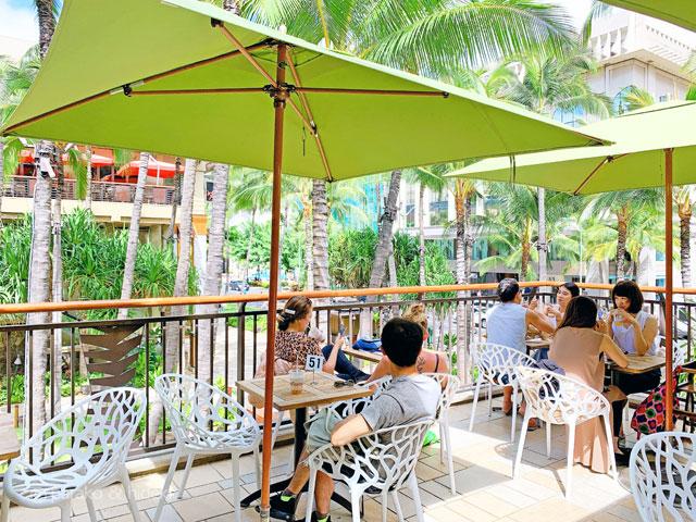 アイランドヴィンテージコーヒーのテラス席(ハワイ)