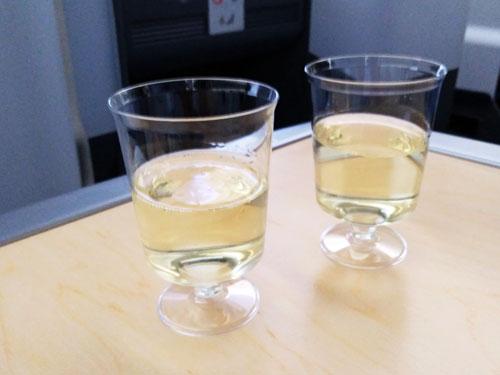 ANAビジネスクラスのスパークリングワイン