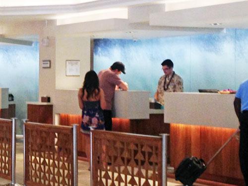 ホテルのフロントは英語でレセプション