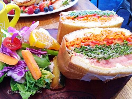ハワイ サニーデイズのスプラウトサンドイッチ