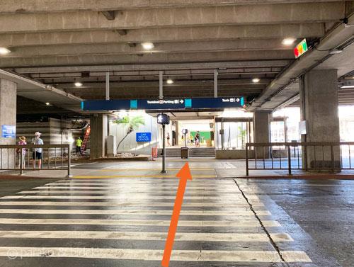ホノルル空港のレンタカーオフィス