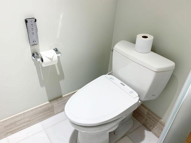 リッツカールトンワイキキのグランドオーシャンビュールームのトイレ