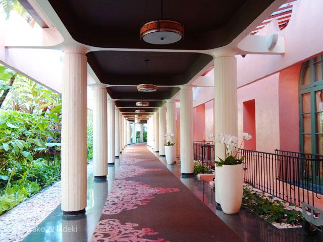 ピンクパレス(ロイヤルハワイアンホテル)廊下